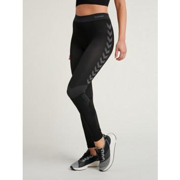 ženake aktivne kratke hlače FIRST - aktivno perilo hummel